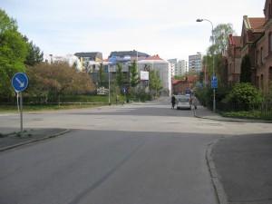 Korsningen Carl Grimbergsgatan/Brunnsgatan mot Spekebergsgatan. 2014