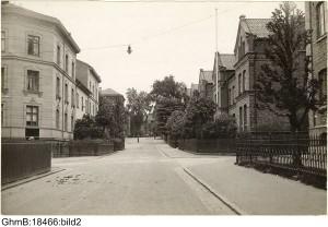 Korsningen Carl Grimbergsgatan/Brunnsgatan mot Spekebergsgatan (1930-45 ?)