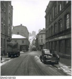 Risåsgatan mot Övre Husargatan och Brunnsgatan. 1954