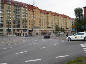 Taget från f.d.Karlsrogatan mot Övre Husargatan vid KK11,Linneplatsen till vänster.8/10 2015