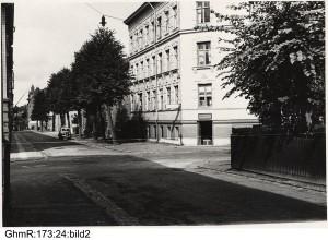 Brunnsgatan, fotograferad i jämnhöjd med Brunnsgatan 24