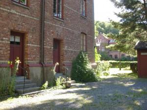 Brunnsgatan 14(f.d.Folkskolegatan 9 a,b) Annedals Lägenhetsmuseum till vänster  Aug.-2015