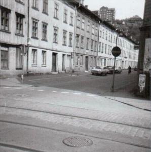 Snickaregatan 12,14,från Västergatan